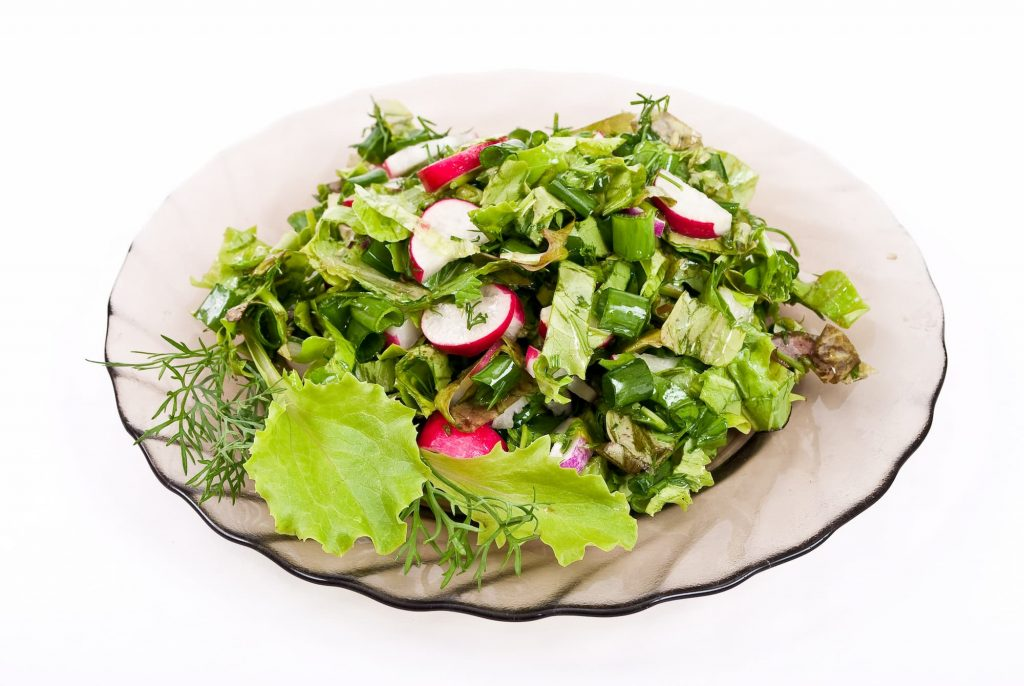 Aziatische salade met sesem gember dressing